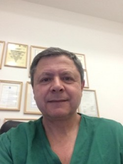 Доктор Беньямин Хардак